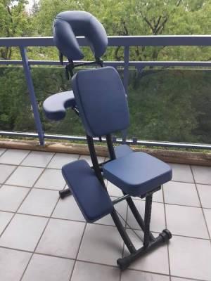 A Vendre Chaise Pour Massage Assis Bleu Pliable Confortable Peu Utilisee En Tres Bon Etat Legere Et Facile Transporter