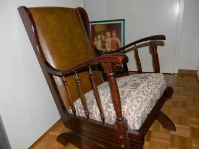 rocking chair ancien annonce 2429747. Black Bedroom Furniture Sets. Home Design Ideas